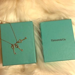 Authentic Beautiful Tiffany & Co Necklace